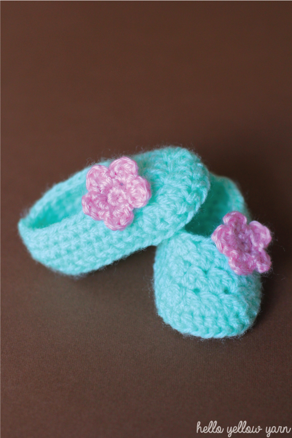 Baby Girl Slip on Booties – Free Pattern