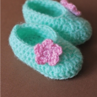 Baby Girl Slip on Booties - Free Pattern