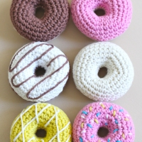 How to Crochet Donuts [Free Pattern]